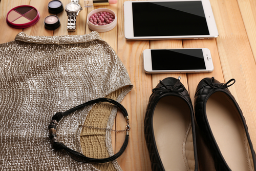 10 Carry-on Essentials for Your Flight [Be a Savvy Traveler]